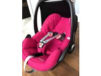 Maxi Cosi Pebble NEARLY NEW (ages 0 -15months)