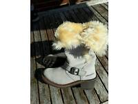 Caterpillar fur lined suede boots size 3