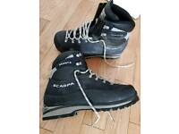 Scarpa manta mountaineering boots size 11