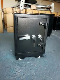 NEW 62kg STEEL AND CONCRETE HEAVY DUTY SAFE