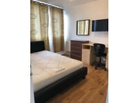 NICE DOUBLE/TWIN ROOM AVAILABLE NOW IN ROEHAMPTON 160£PW INCLUDING ALL THE BILLS