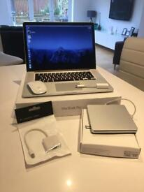 Macbook Pro , 15.4 inch Retina Display , i7 2.5ghz , 16 GB Ram , 2GB Radeon R9 Graphics