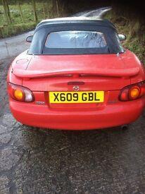 2000 Mazda mx5 (very lightly damaged )