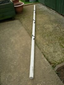 Wooden hand rail 3.5 meters in length good condition with Brackets.