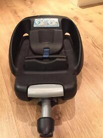 Maxi cosi cabriofix infant car seat and easybase
