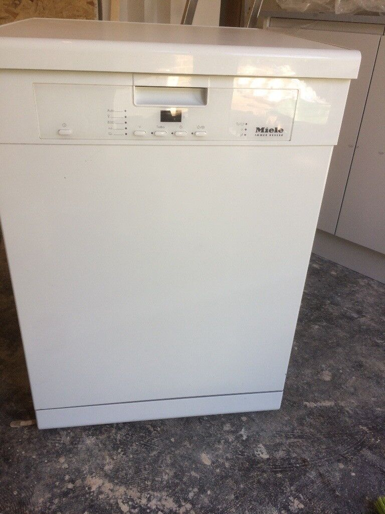 Miele dishwasher, 3 years old, perfect working order. Model G4203SC ...