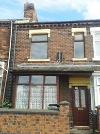 ***LET BY*** 3 BEDROOMS - MID TERRACED - DUNDEE ROAD - ETRURIA - S O T - LOW RENT - NO DEPOSITS