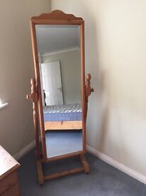Last reduction!! Full length bedroom pine mirror, stand-alone