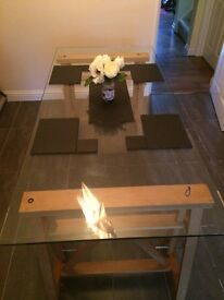 *** REDUCED *** Glass dining table for sale £40 ono