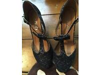 Schuh shoes size 6 navy sparkly gorgeous