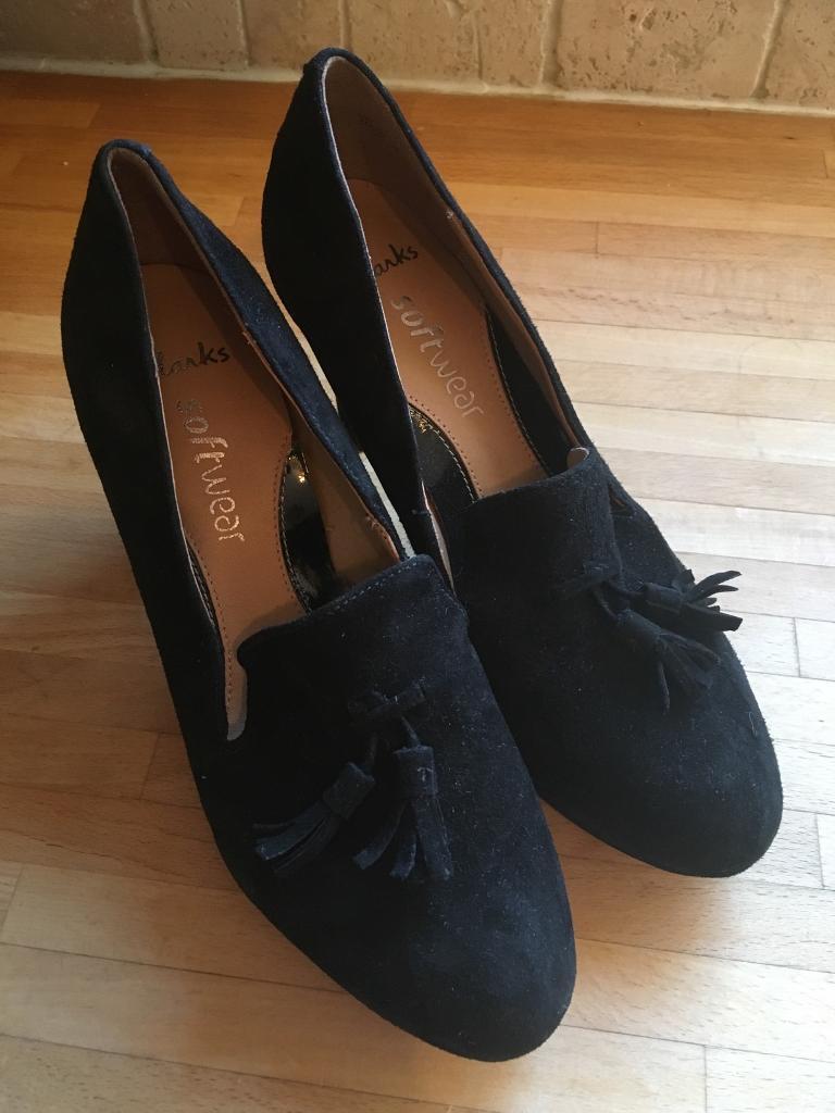 Clarks software size 3 black suede heels
