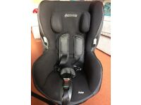 Maxi-Cosi Axiss swivelling toddler car seat (used-excellent condition)