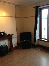 Fully furnished one bedroom flat with UPVC double glazing and gas central heating