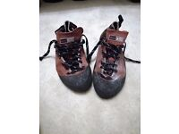 Red Chilli Climbing Shoes (used)