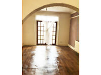 FRESHLY REDECORATED 3 BEDROOMS - EAST HAM AREA