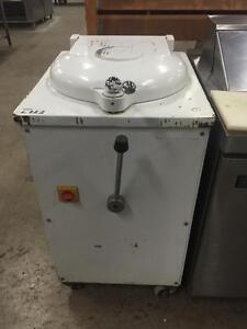 Hydraulic Dough Divider - 20 piece Dough Cutter - iFoodEquipment.ca