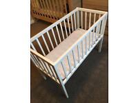 Kiddicare White Crib - Mattress & Sheets included - Bargain Price!!