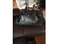 Roomy Leather Holdall