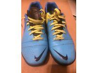 Boys Nike Astro's size UK7