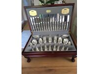 58 piece canteen of silvery cutlery
