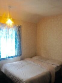 No bills large double room 7 min walk to white city underground and westfield