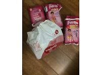 Huggies Pull Ups Girls Size 6 / L 16-23 kg - 43 diapers