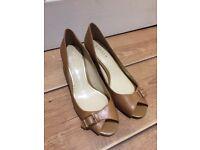 Women Shoes. Ralph Lauren, 6cm heels, size 10b us