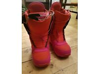 Burton emerald women's snowboard boots size 6.5 - almost new!