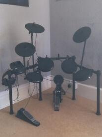 Alesis Nitro 8-piece electronic drum kit £250