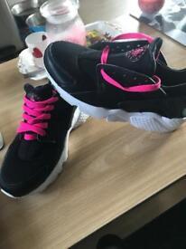Nike Huraches size 5