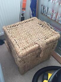 Storage cube / foot stool