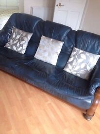 Free 3 seater couch and 2 1 seater arm chairs must go today £50 Ono