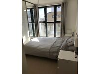 2 bed flat to rent in Greenhithe