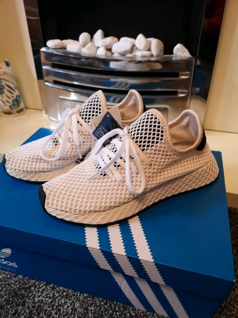 20d7573ce Adidas Deerupt Trainers BRAND NEW Size 6