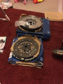 Dual mass fly wheel and clutch brand new in box for a golf gttdi 2004 2.0