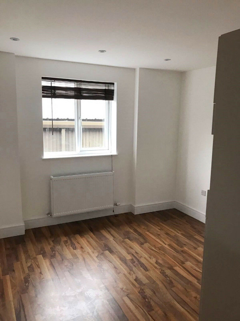 *NEW* recently refurbished, beautiful and cosy studio in Southwark