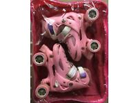 Roller skates with easy to adjust in 4 sizes & easy quick locking system