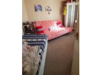 Large single room to rent in Bath city centre