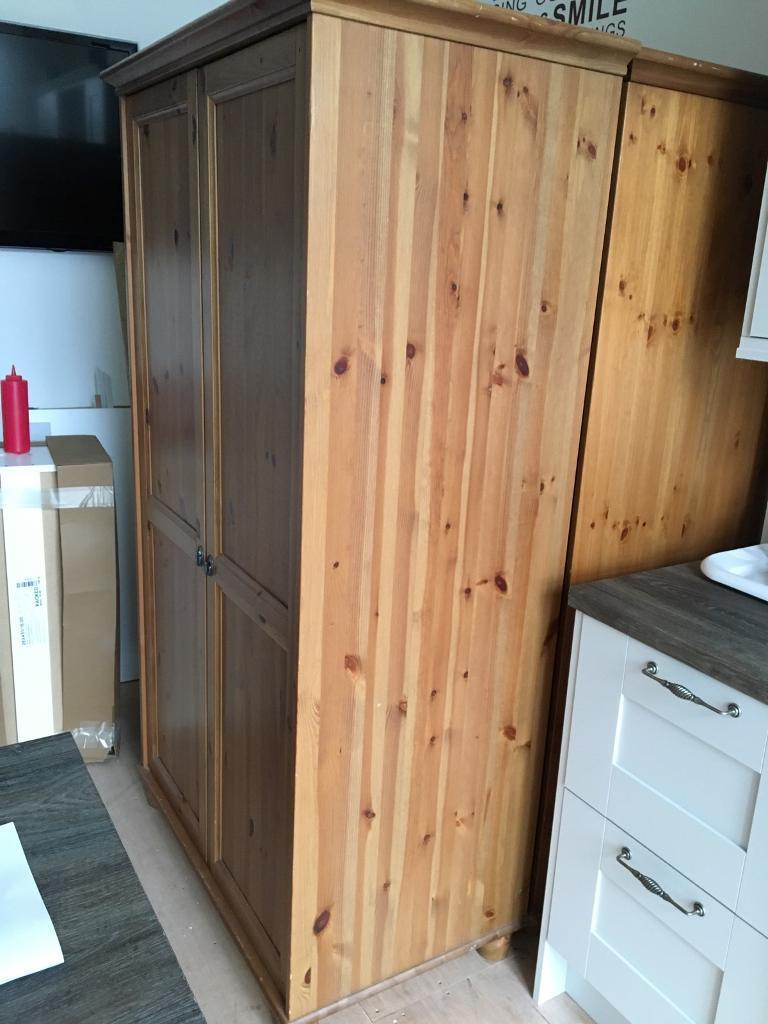 2 wardrobes oakin Southside, GlasgowGumtree - I have 2 oak wardrobes for sale asap One of the door are is damage will try to fix before sale needs gone