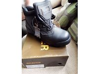 Mens beaver leather work boots size 9 brand bew boxed