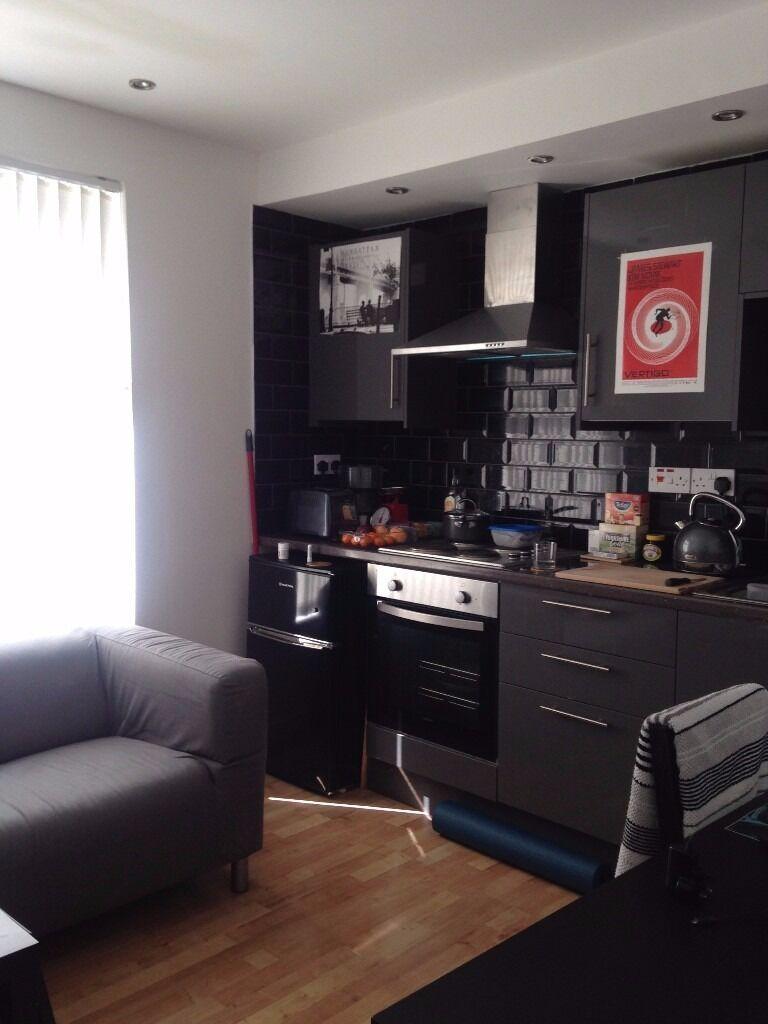 £525 PCM 1 Bedroom Flat On City Road, Roath, Cardiff, CF24 3BP.