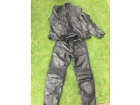 Akito men's motorbike leathers
