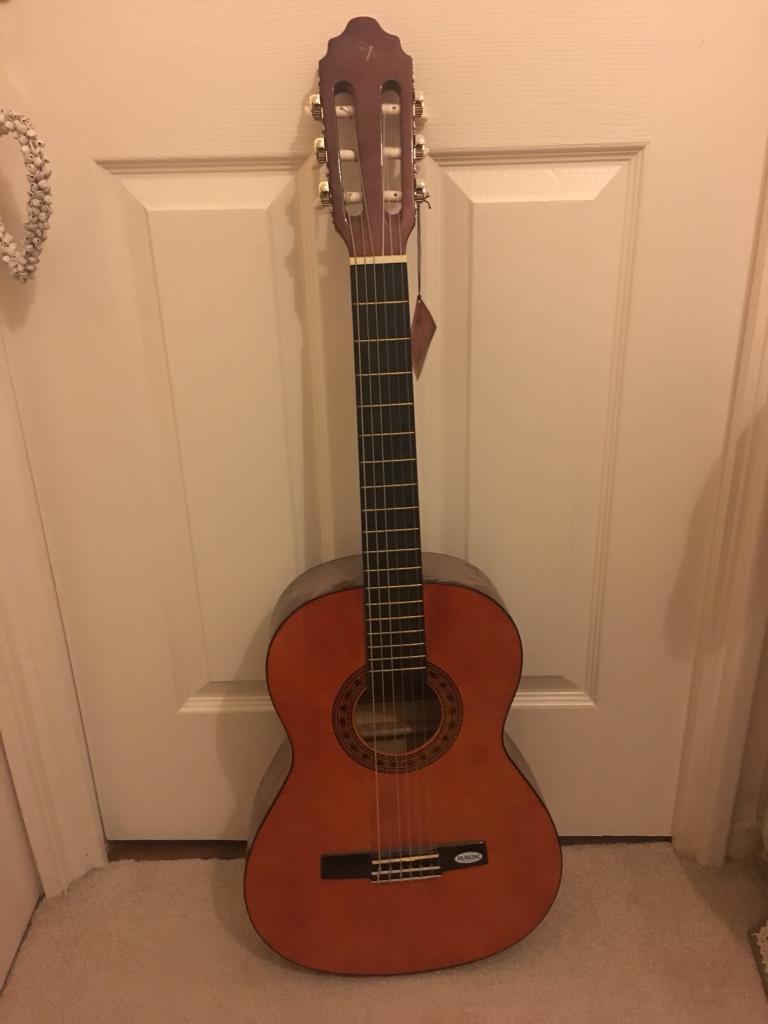 Acoustic guitar - mint condition