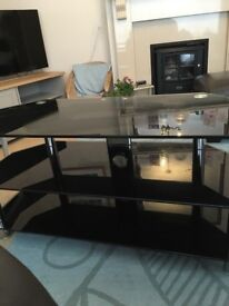 """Tv stand black glass VGC for 42"""" tv"""