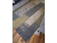 Big rug 2m X 290m yellow/ grey in very good condition
