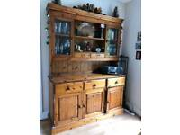 Super Honey Pine Dresser