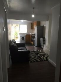 1 Double Bed Ground Floor Maisonette - £212.50PW (including all bills)