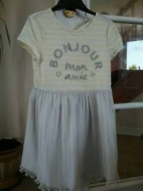 Gorgeous lemon and silver summer dress age 5-6yrs