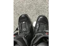 Flow Boa snowboard boots UK size 8
