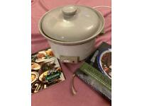 2.5L Slow Cooker with Lakeland recipe book